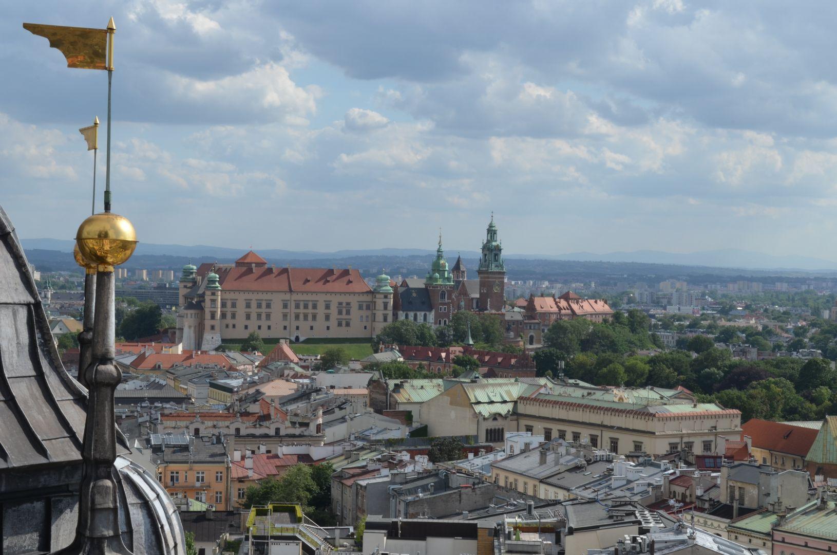 Blick von der Marienkirche auf den Hügel Wawel mit dem Königsschloss