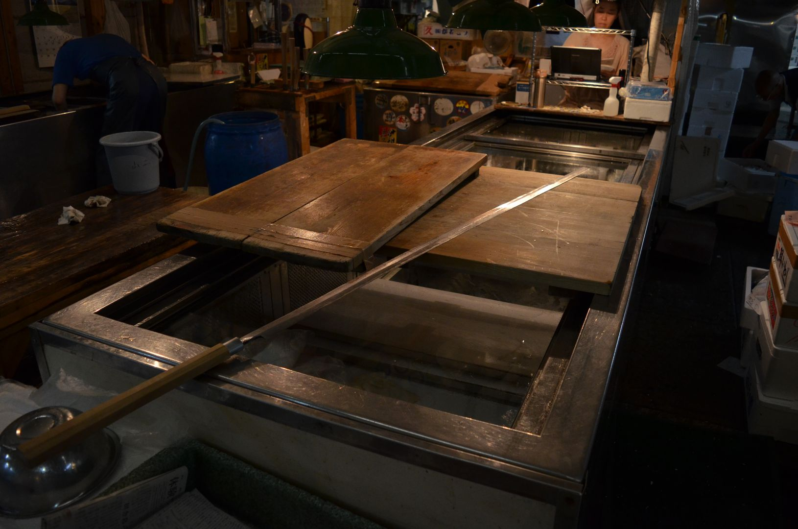 1,60m langes Messer zum Zerteilen von Thunfischen