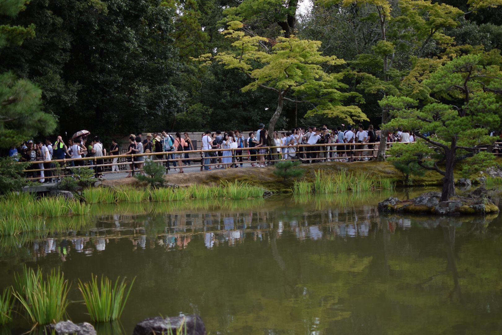 Besucher Goldener Tempel Kyoto