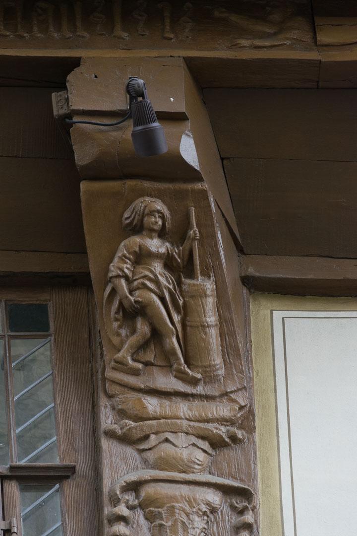 Butterhanne am Brusttuch in Goslar