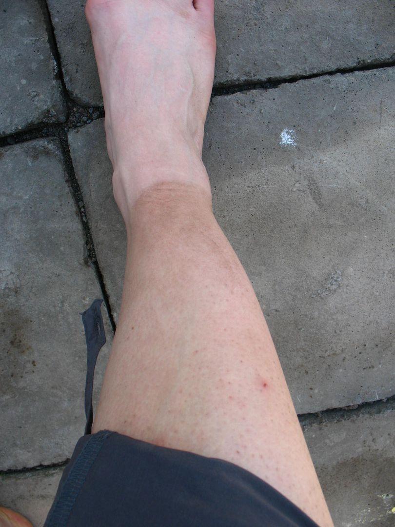 dreckige Füße nach Vulkanwanderung