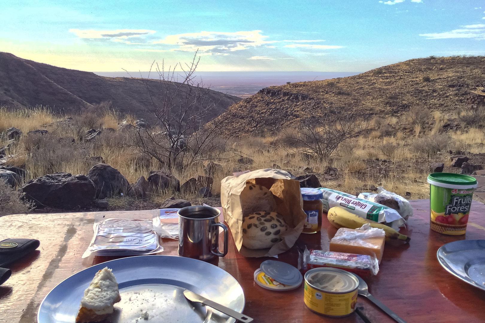 Namibia Burkkaros Krater Camping