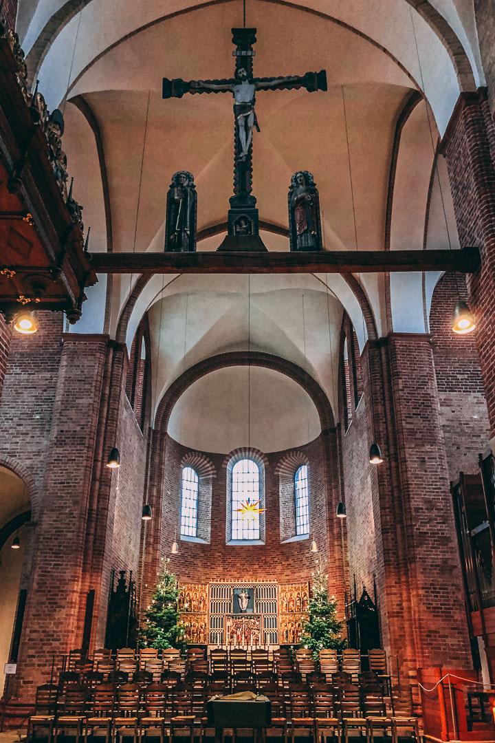 Kirche-Mittelschiff-Ratzeburg