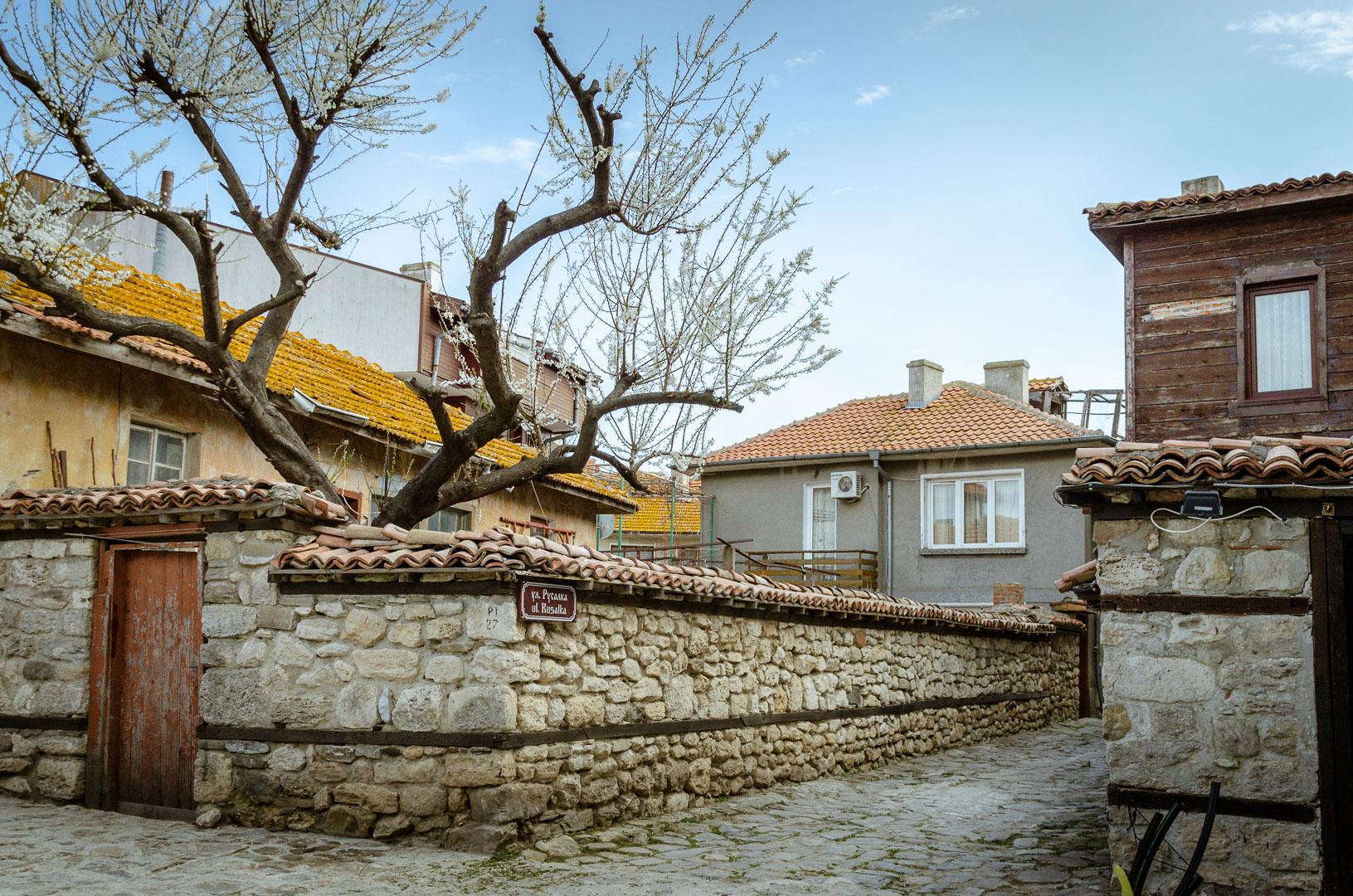 Gasse-Altstadt-Nessebar-Bulgarien